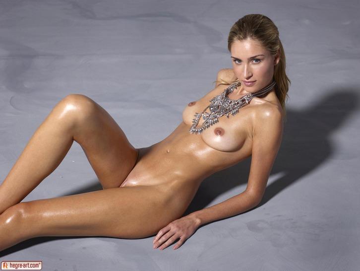 фото топ голые модели